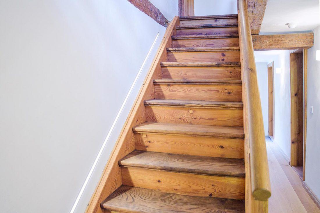 Altbau Holztreppe