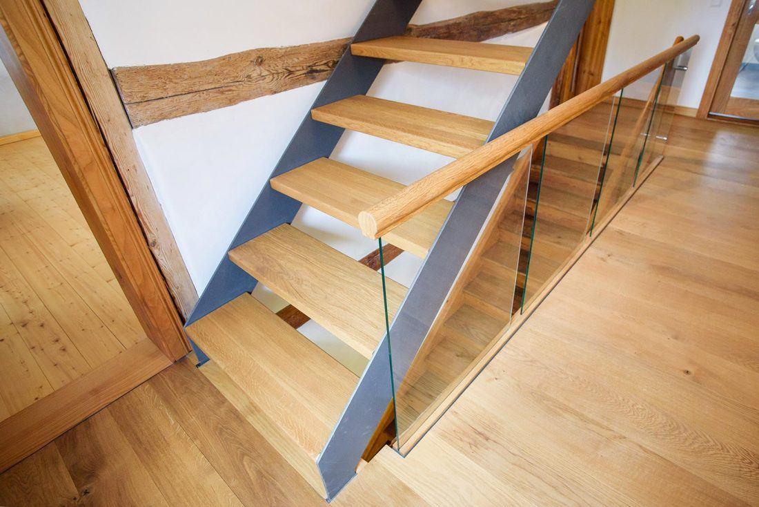 Treppe Eiche-Stahl