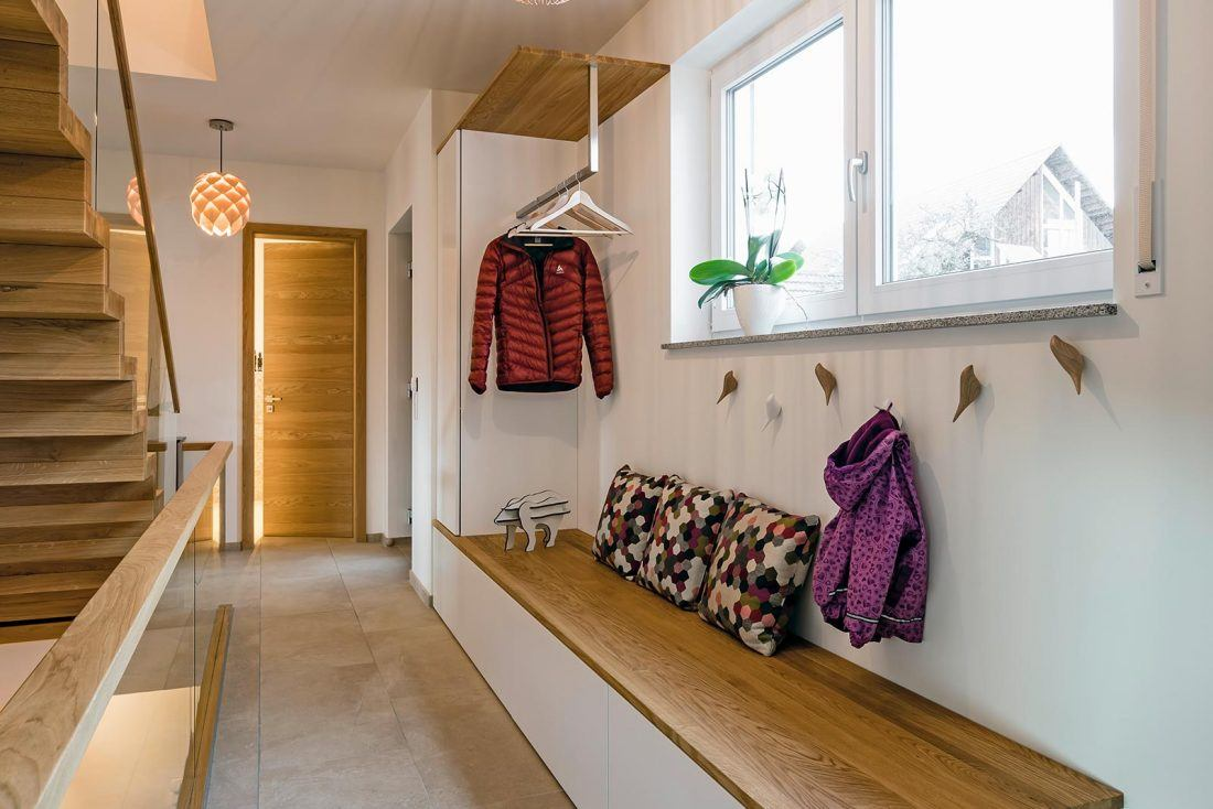 Garderobe MDF weiss mit Eiche massivholz