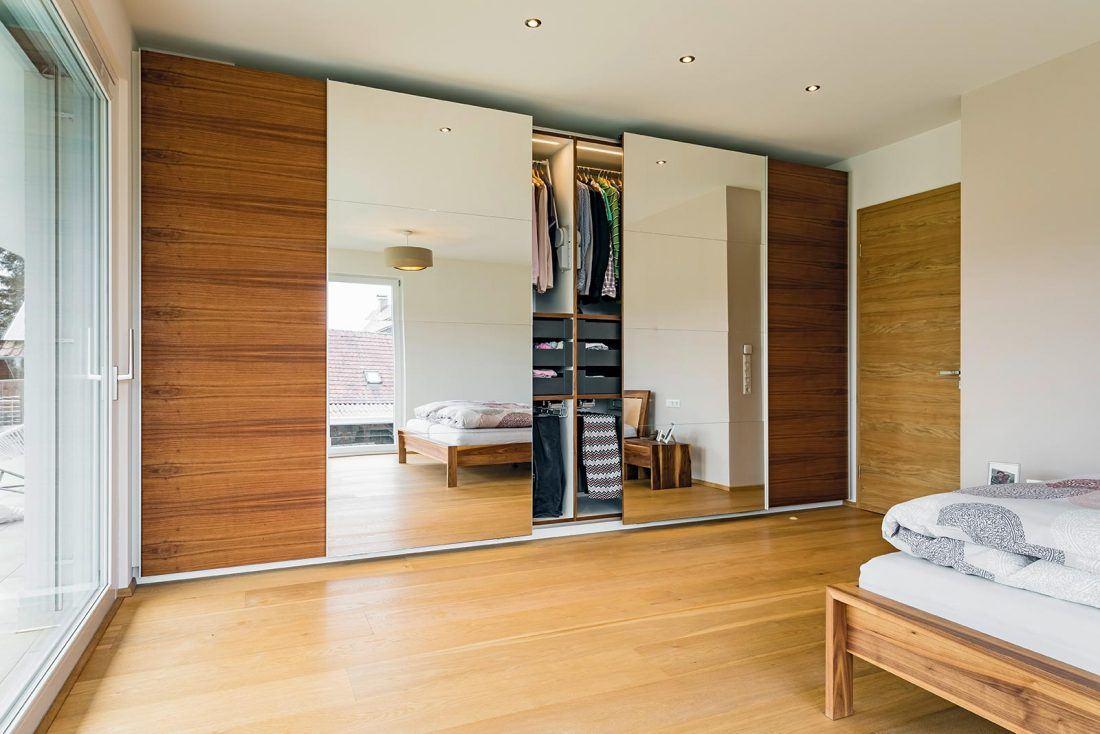 Schlafzimmerschrank mit Schiebetüren Synchronöffnung