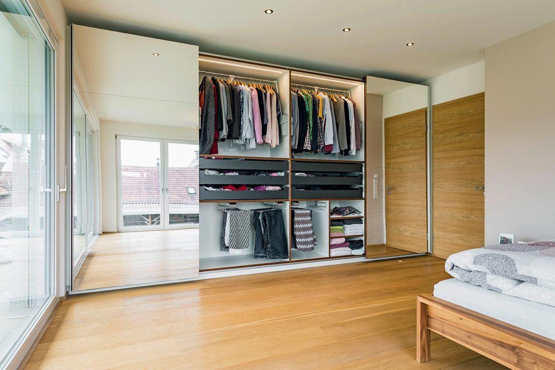 Schlafzimmerschrank mit Schiebetüren mit Kleiderordnungssystem